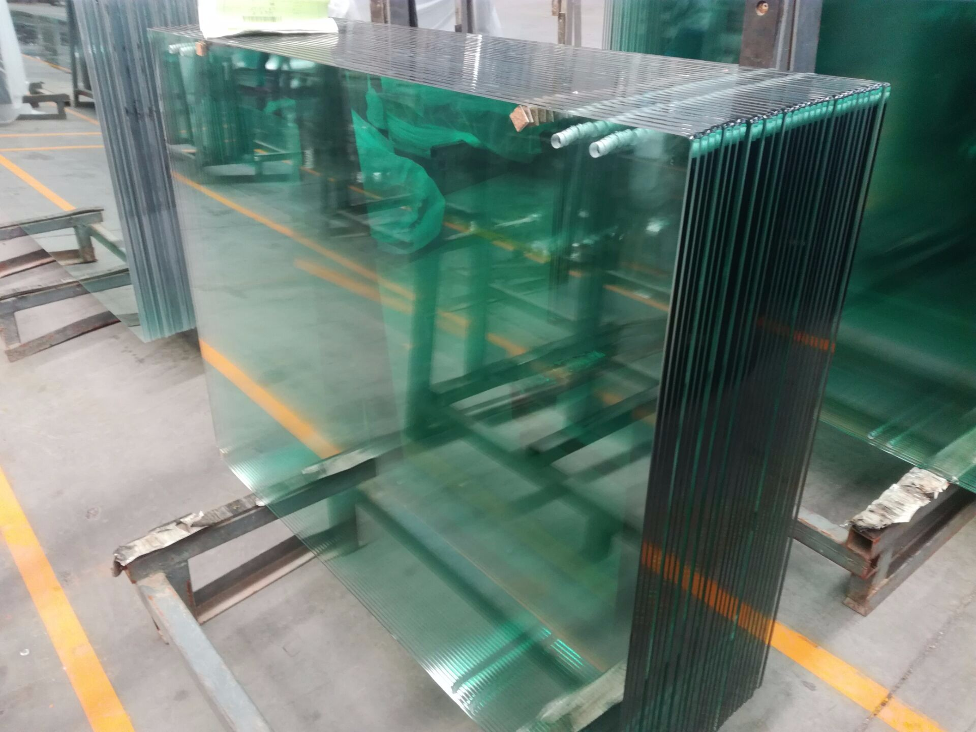 Colored Tempered Glass Manufacturers, Colored Tempered Glass Factory, Colored Tempered Glass