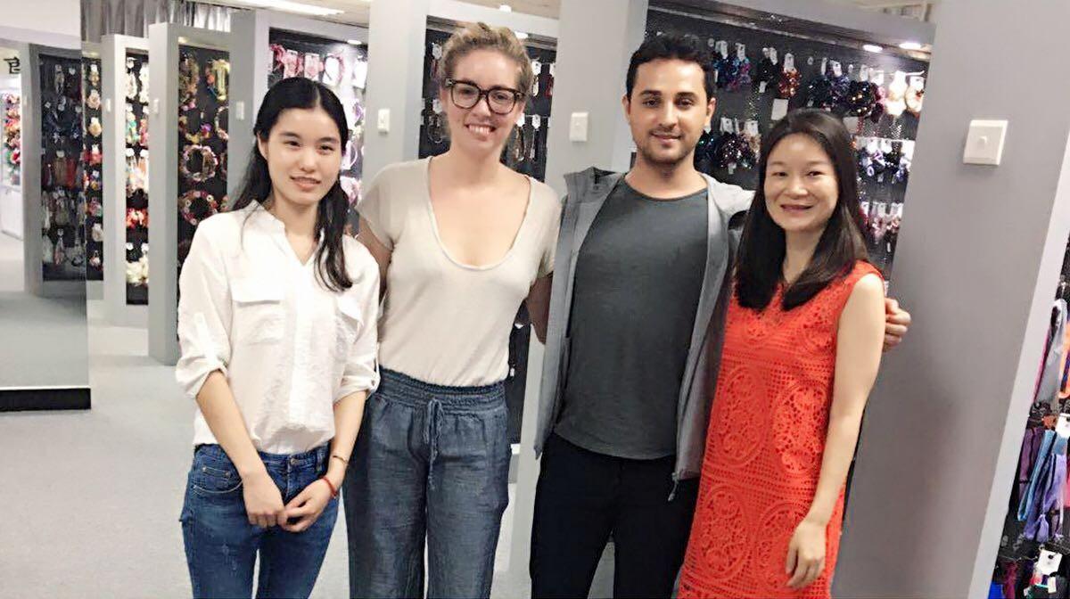 Women'S Fashion Headbands Customer visiting