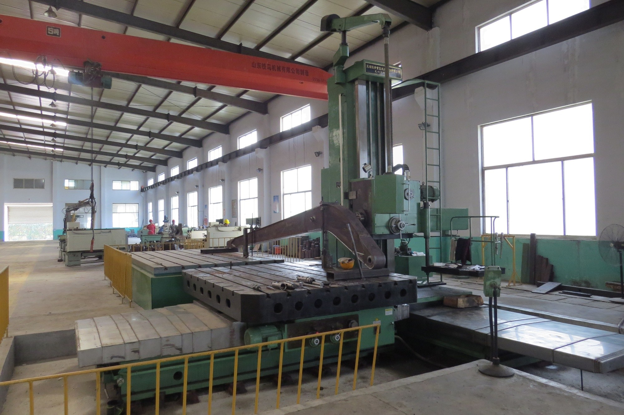 Boring machine, drilling machine
