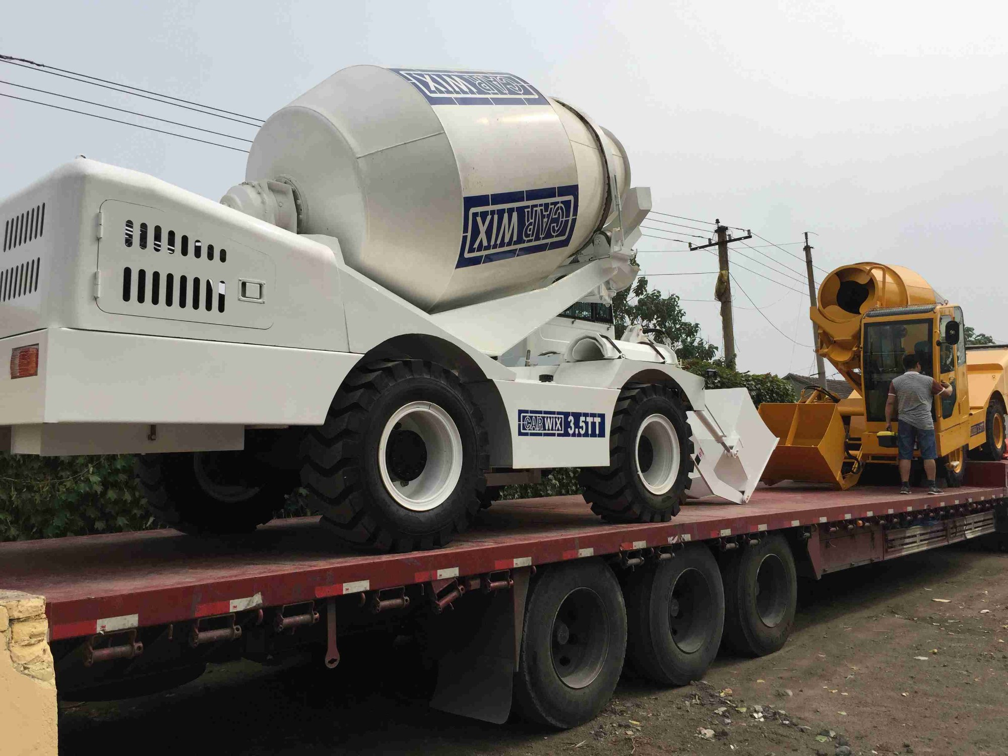 Sales Self Propelled Towable Concrete Mixer With 4m3 Mixing Capacity, Buy Self Propelled Towable Concrete Mixer With 4m3 Mixing Capacity, Self Propelled Towable Concrete Mixer With 4m3 Mixing Capacity Factory, Self Propelled Towable Concrete Mixer With 4m3 Mixing Capacity Brands