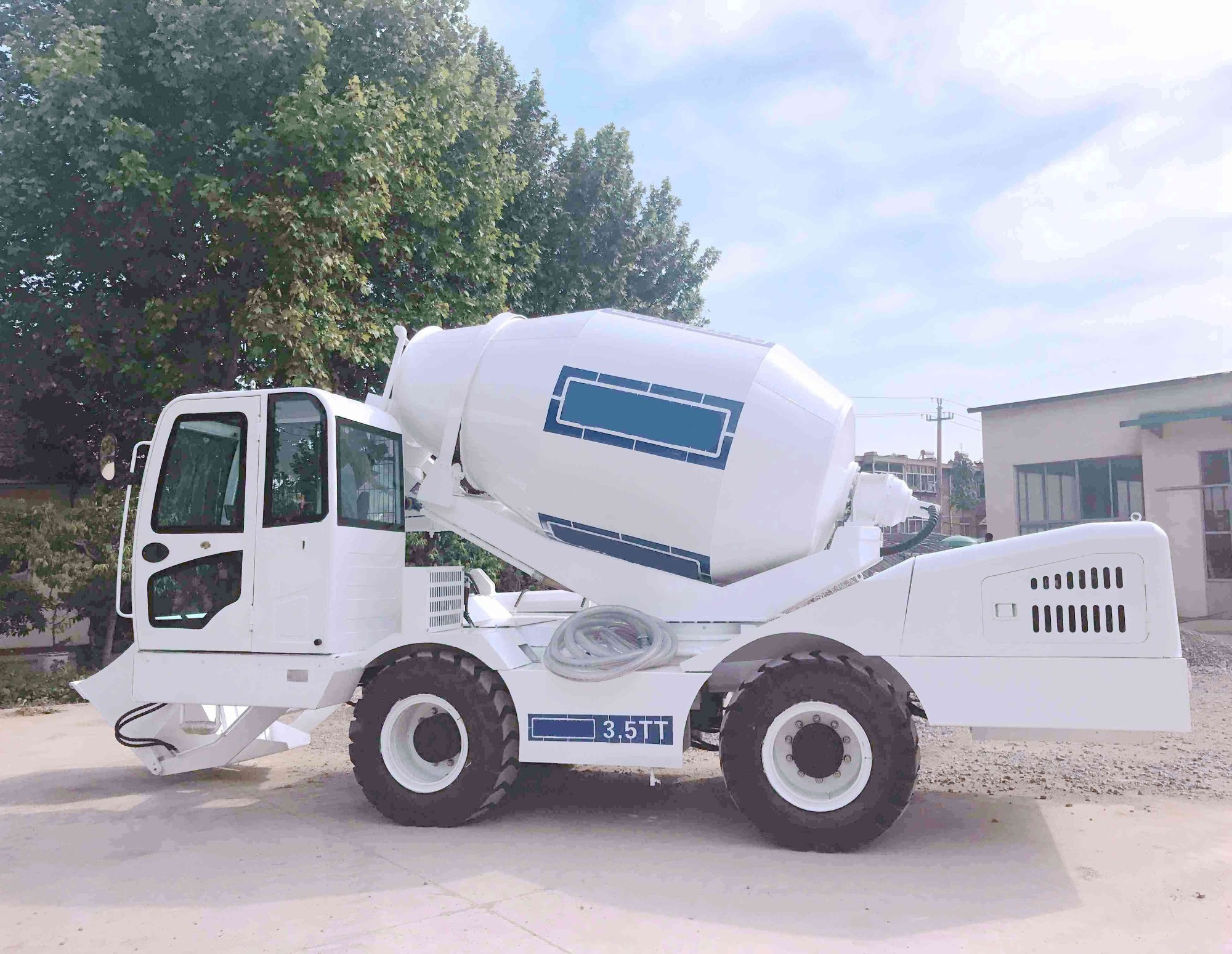 Sales Self Loading Concrete Mixer Price In Kazakhstan, Buy Self Loading Concrete Mixer Price In Kazakhstan, Self Loading Concrete Mixer Price In Kazakhstan Factory, Self Loading Concrete Mixer Price In Kazakhstan Brands