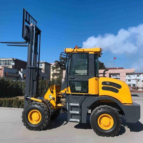 4WD Construction Equipment Rough Terrain Diesel Forklift For Sale
