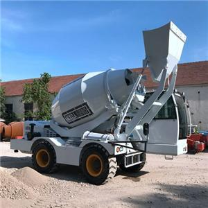 Self-loading Concrete Mixer Turck