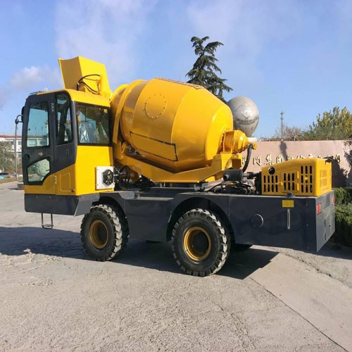 4 Wheel Drive Steering Self-propelled Concrete Mixing Machine For Sale