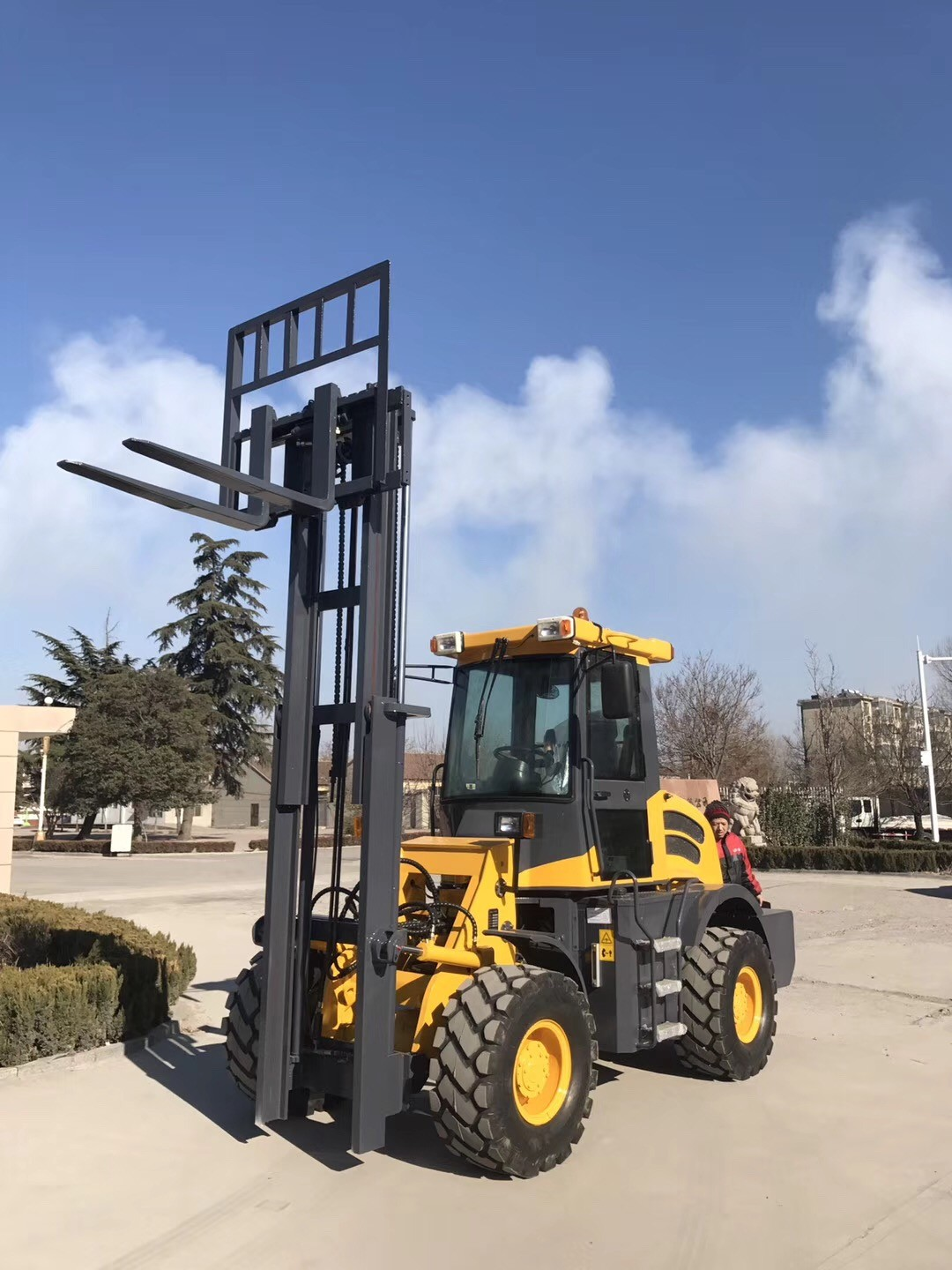 Cross Forklift