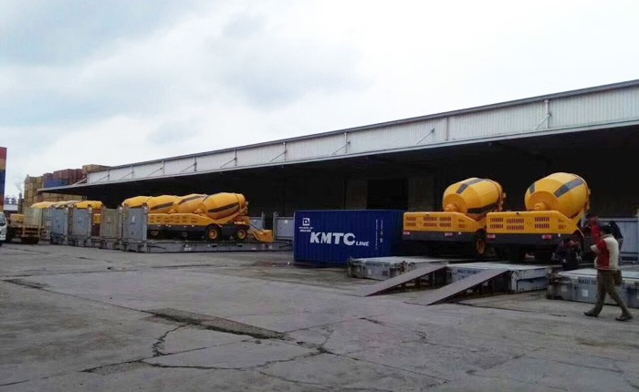 10 sets self loading concrete mixer exported to Cuba