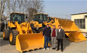 Central Asian customers purchase customed model 5 ton loaders