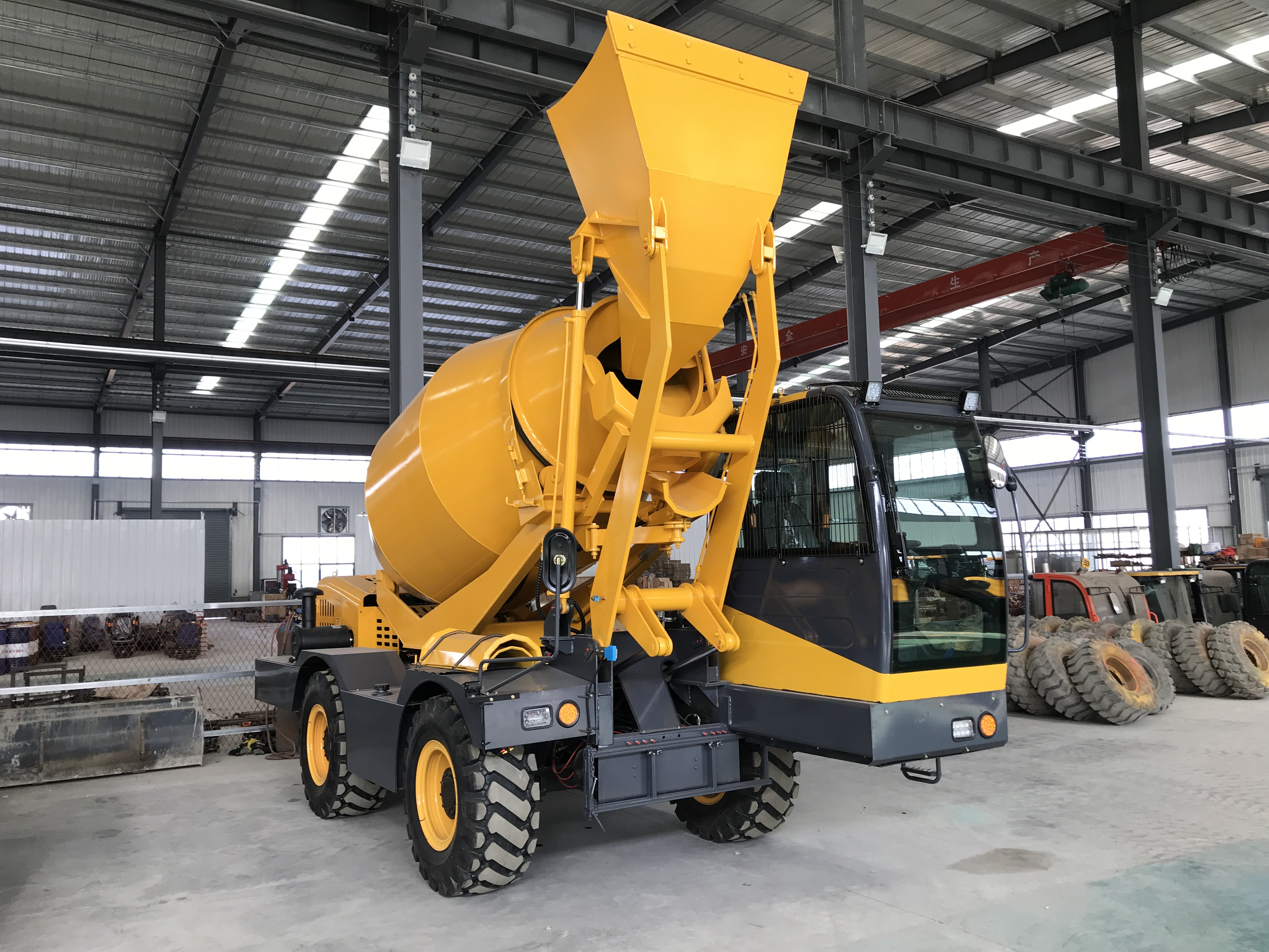 what is self loading concrete mixer