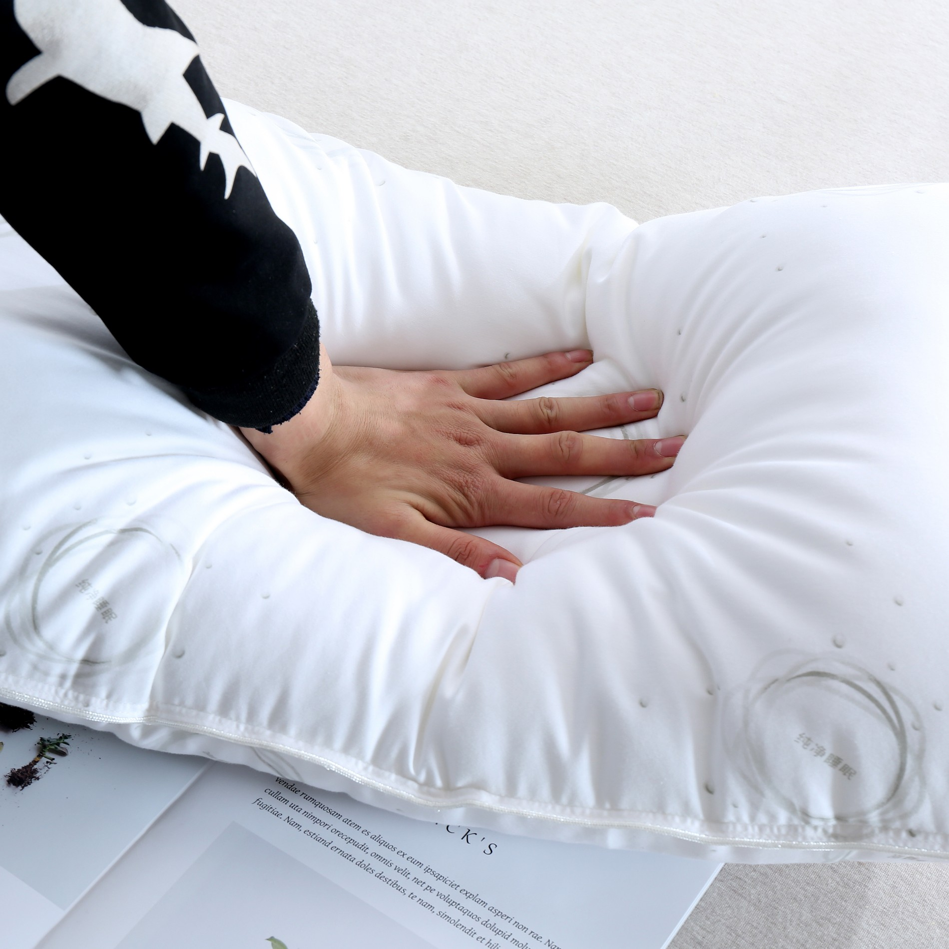 Hotel Bed Pillows Manufacturers, Hotel Bed Pillows Factory, Supply Hotel Bed Pillows