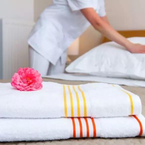 چه جزئیات خدمات باید هتل ها با توجه به پرداخت؟