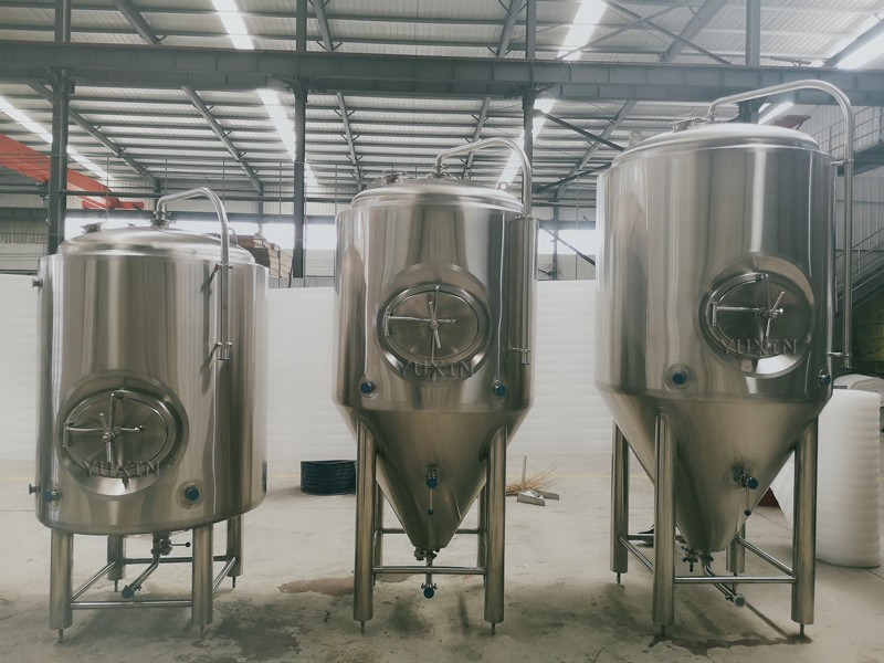 New tanks for US customer!