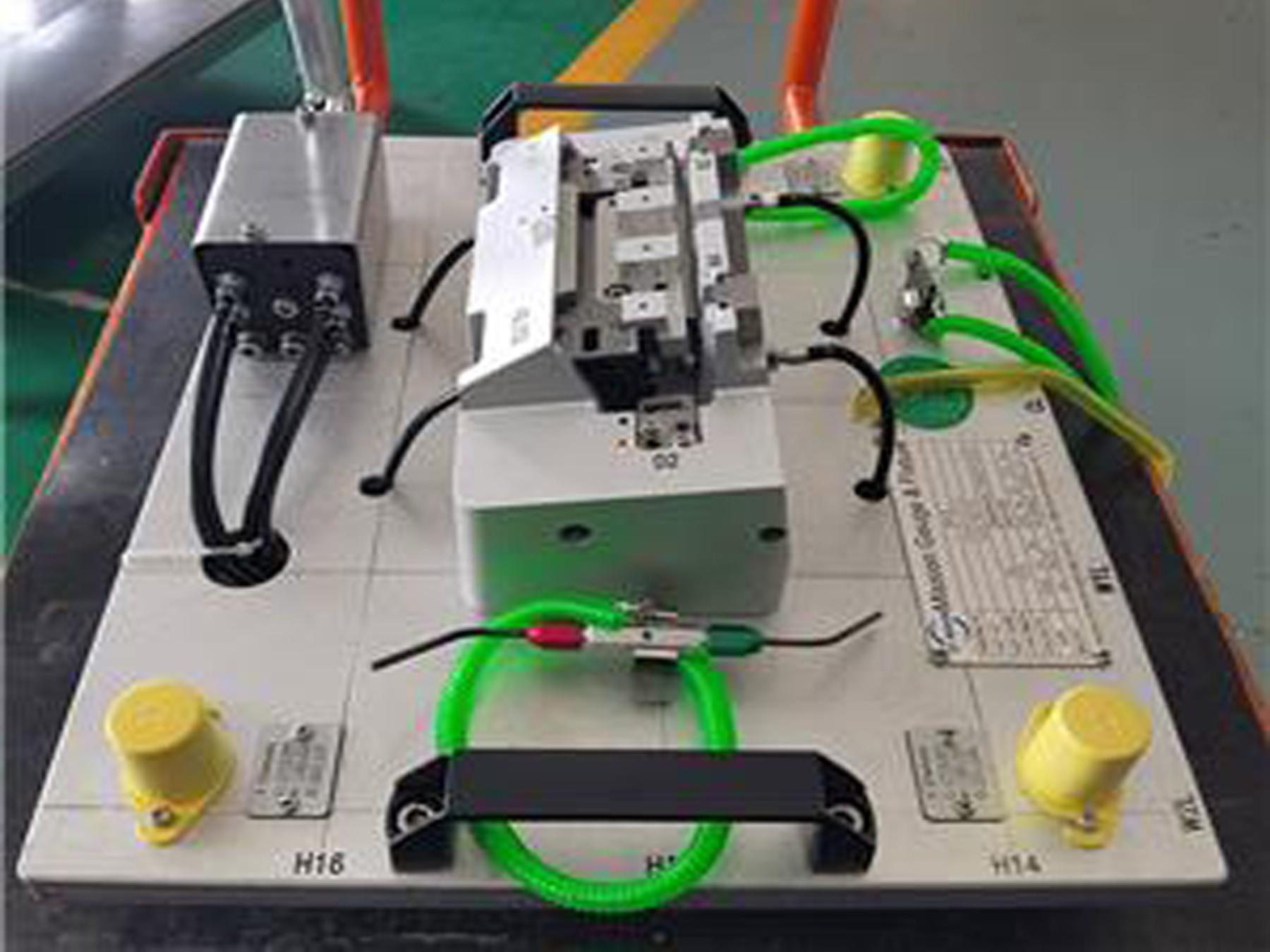 Air cylinder handling plastic part CF