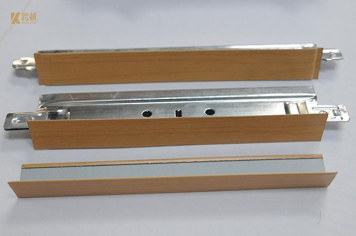 Fabricação de teto suspenso de grade T