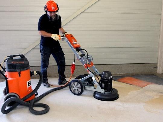 Floor sander untuk pengamplasan dan pemolesan