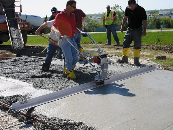 Screed beton listrik