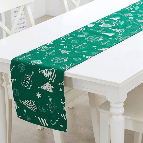 Chemin de table en polyester massif