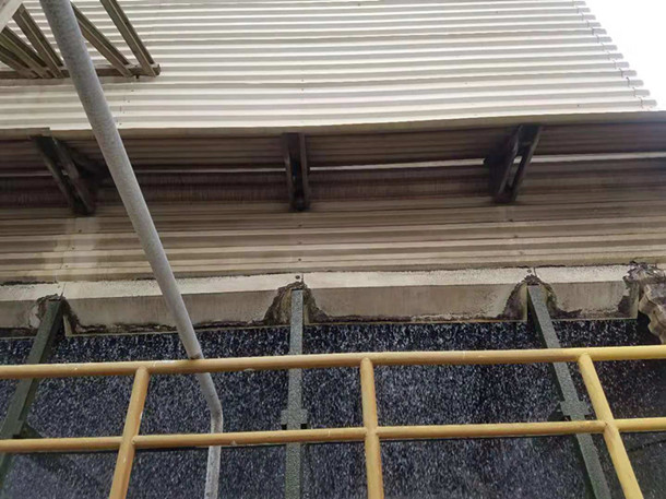 Cooling tower winding wall
