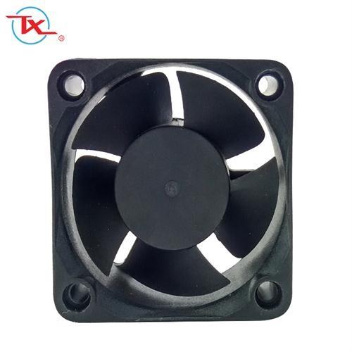 Ventilador sin escobillas Mini Dc con rodamiento de bolas de 50 mm