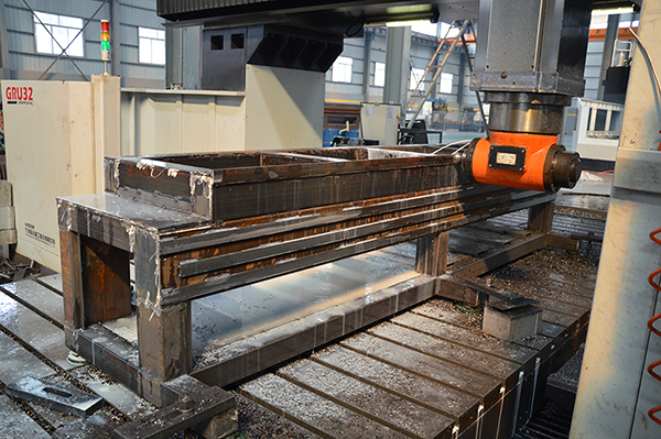 cnc machnining center for cnc router2.jpg